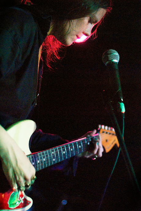 Scout Niblett Portrait live @ The Frequency