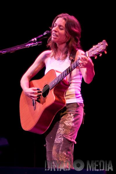 Ani DiFranco live concert photos Barrymore Theatre Madison WI 399 x 600 jpg