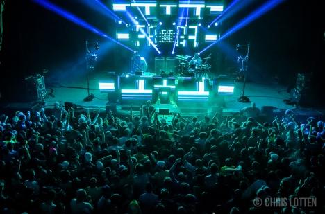 crowd-9