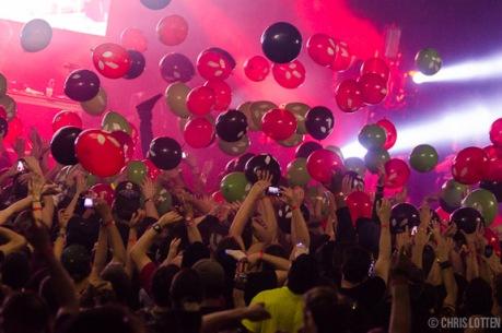 crowd-11
